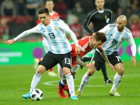 «Надо научиться выигрывать такие матчи». Черчесов - о матче с Аргентиной