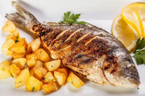 Картофель и рыба являются см…