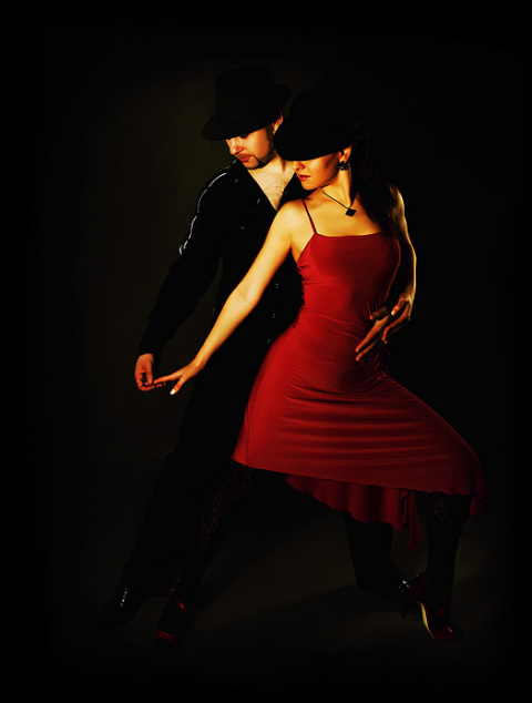 Танго танцуют все