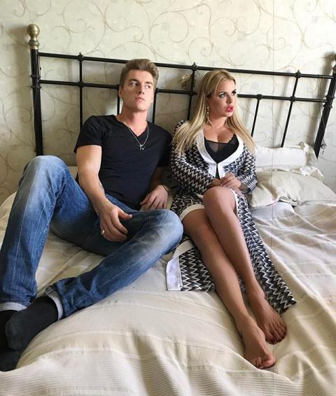 Анна Семенович и Алексей Воробьев в одной постели