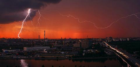 Почему не стоит переезжать в Москву?