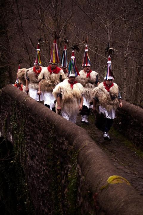 Портреты испанских язычников, празднующих весеннее пробуждение Земли