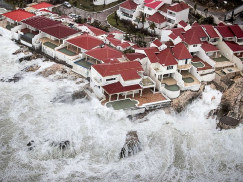 Из-за урагана Флорида может …
