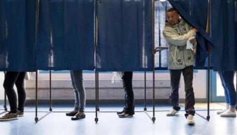 СМИ: Макрон набирает 26% гол…