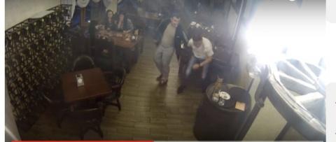 Брат Захарченко порезал горл…
