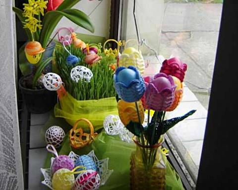 пасхальные яйца в тюльпанах