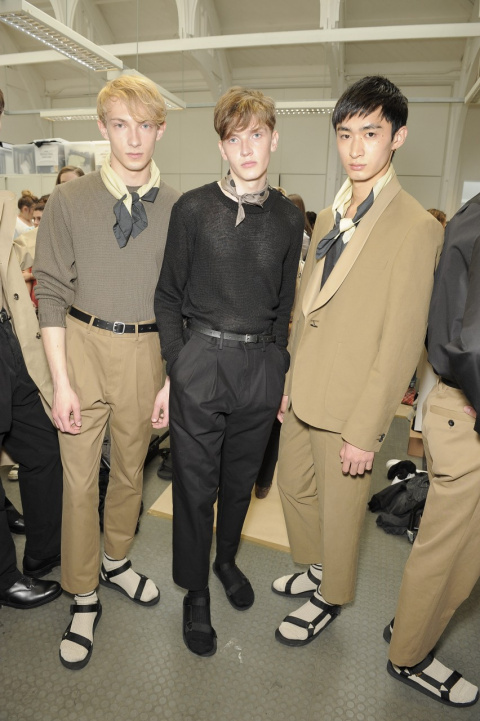 Будь в тренде: мужчинам разрешили носить носки под сандалии