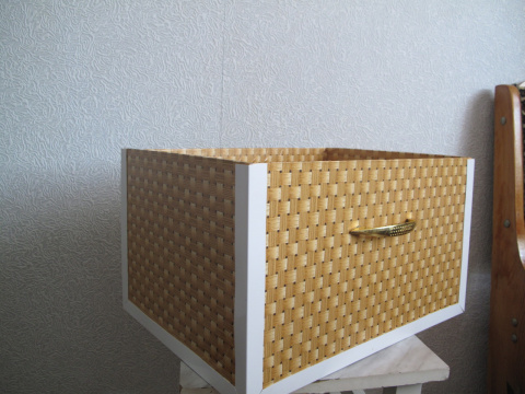 Коробка для хранения дамских зонтов,сумочек,фена и т.д
