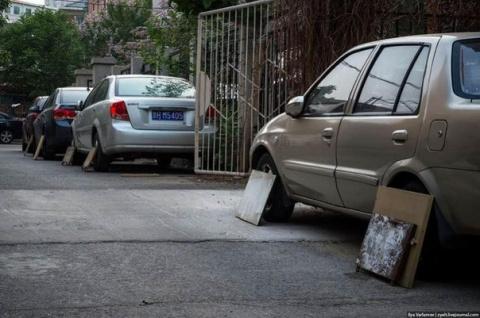 В Китае многие водители во в…