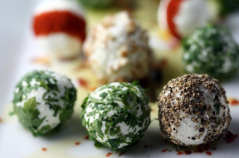 Сырные шарики из брынзы