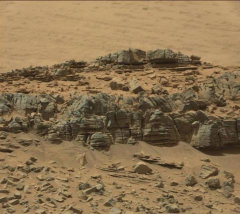 Глубины космоса подбрасывают всё новые загадки... Уникальные снимки, сделанные на Марсе.