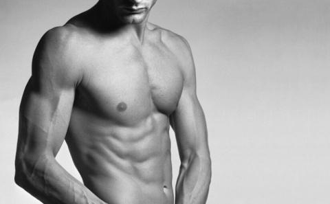 Подтянуть мышцы живота: самое популярное упражнение на пресс