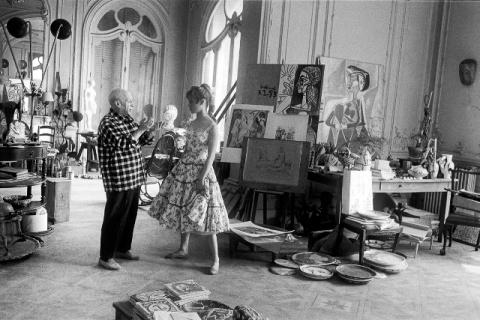 Бриджит Бардо в гостях у Пабло Пикассо, 1956 год.