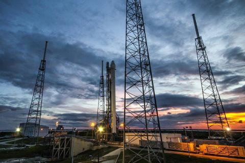 Роскосмос намерен создать ракетные двигатели, работающие на воде