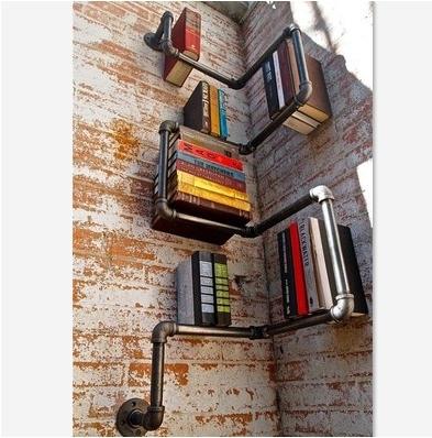 в домашней библиотеке меньше 100 книг