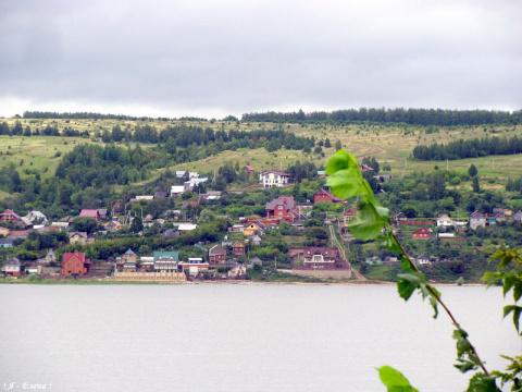 На море-океане, на острове Буяне...