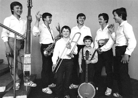 8 марта 1988 года семьей Ове…