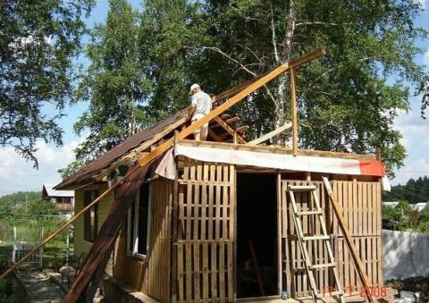 Строительство дома из поддонов