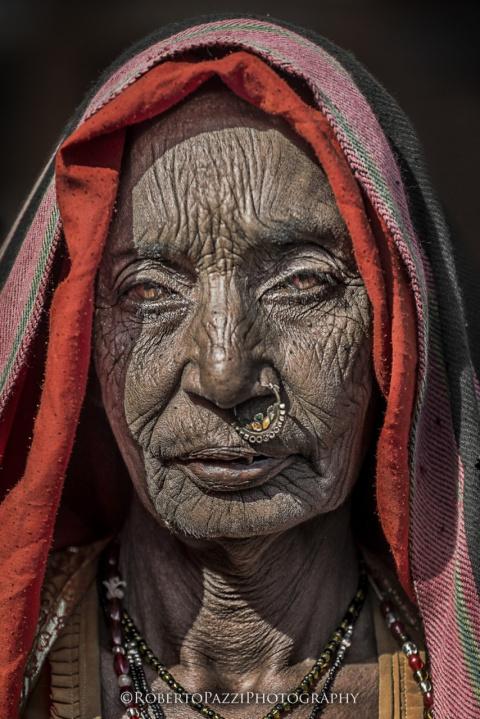 Лицо бедности в портретах индийских нищих