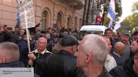 Майдан в Киеве кипит - все в…