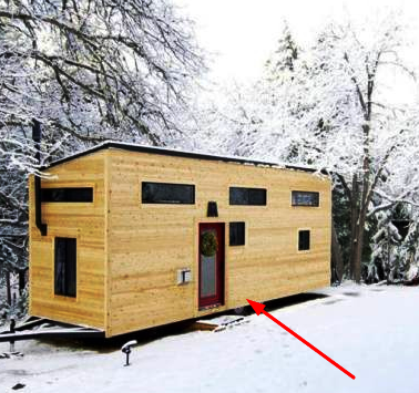 Упорная пара построила крошечный дом своей мечты и доказала, что для счастья много не надо