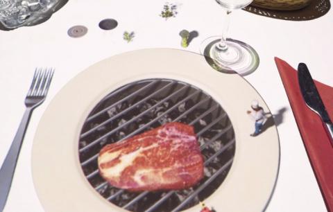 Шеф-повар устроил ресторанное 3D-шоу за столом посетителей