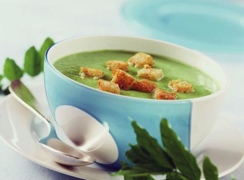 БЛЮДО ВЫХОДНОГО ДНЯ.  Суп-крем из шпината с чесночными крутонами