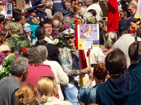 Кошмар Порошенко: Тысячи людей скандируют «Вон из Одессы, бандеровские бесы!»