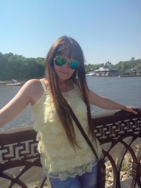 наташа Базанова