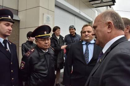 СКР заинтересовался инцидентом при посещении Зюгановым рынка в Иркутске