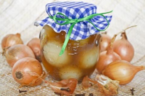 Маринованный лук: превращение банального овоща в деликатес