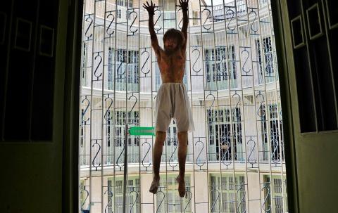 Самая страшная тюрьма Ирана,…