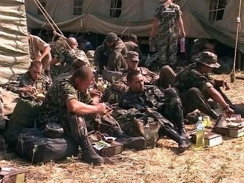 Вернувшиеся на родину украинские военнослужащие обвинили Россию в «показухе»