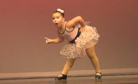 Танец шестилетней малышки, который покорил миллионы сердец