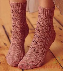 Носочки с бисером «Магнолия». Настоящее украшение!