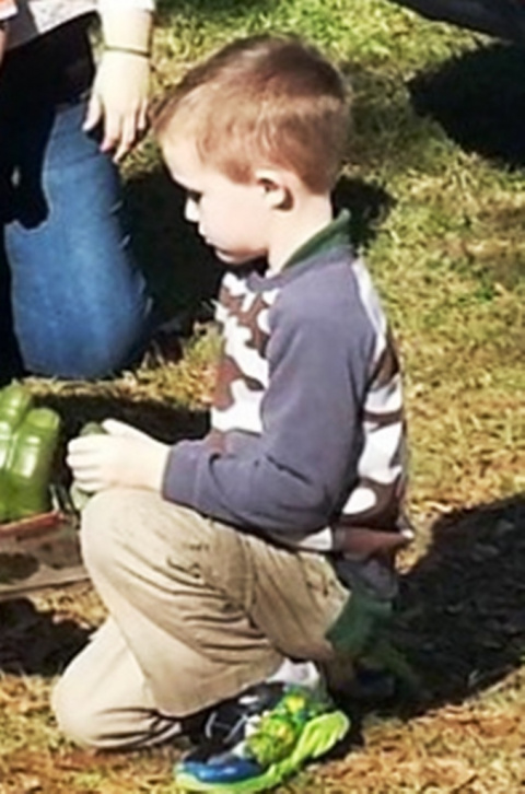 Никто не пришел на день рождения мальчика, но его мама нашла решение проблемы