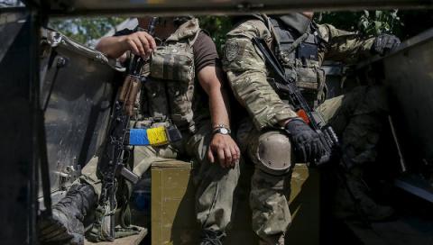 Украинские силовики заявили о 30 случаях нарушения перемирия за ночь