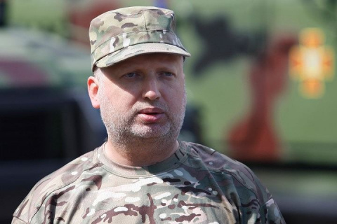 Турчинов сообщил о намерении Киева заблокировать вещание российских телеканалов в Донбассе