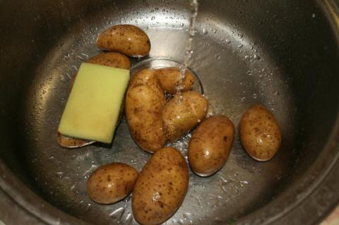 Картошка на мангале.