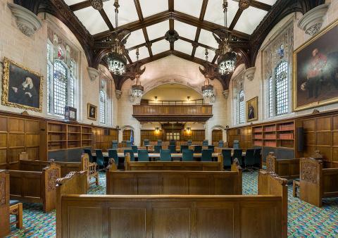 Британский суд заочно аресто…