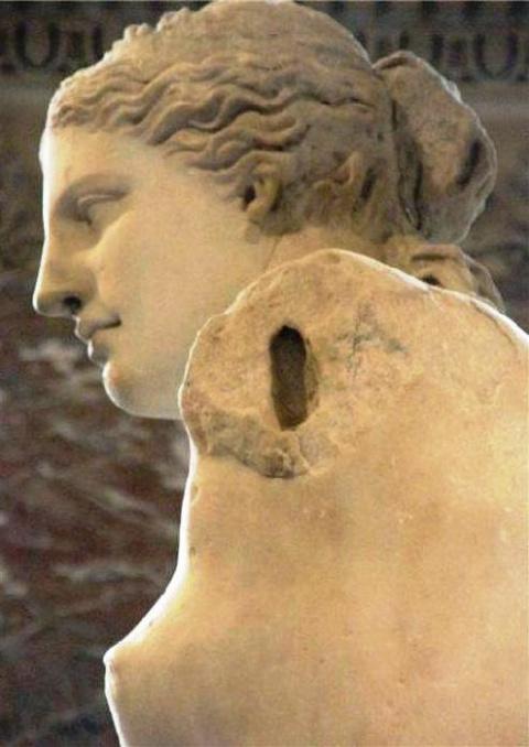 Венера Милосская — малоизвестные факты и загадки одной из самых знаменитых статуй в мире