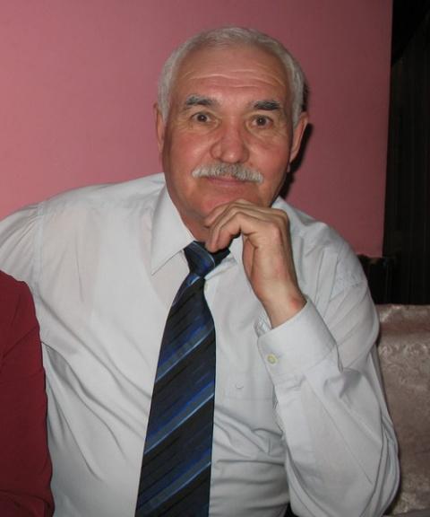 Василий Аккузин