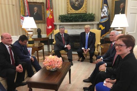 Порошенко торжествует. Трамп говорит о большой вовлеченности в дела Украины