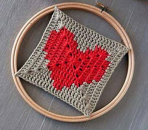 бабушкин квадрат с сердечком
