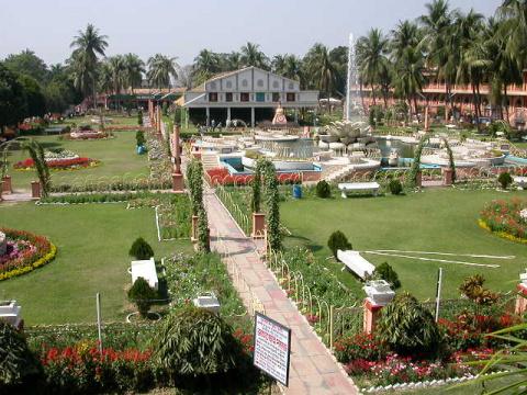 Маяпурский храм