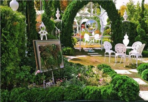 Шикарные идеи: зеркала, стекло и поликарбонат в садовом дизайне