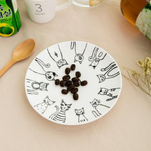 10 красивых тарелок, которые поднимут настроение и повысят аппетит