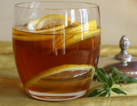 Я пил воду с медом и лимоном…
