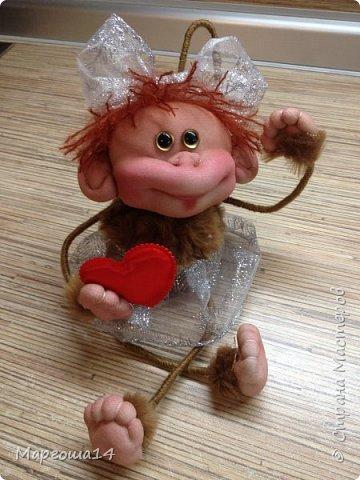 Еще одна малышка обезьянка н…