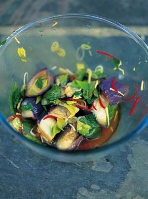 Баклажаны, приготовленные на пару: рецепт от Джейми Оливера